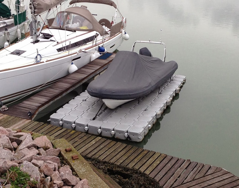 Private static dock