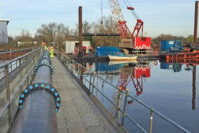 Versadock commissioned for a massive 120ft long floating walkway
